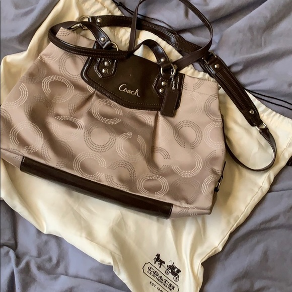 Coach Handbags - Authentic original beige Coach purse!
